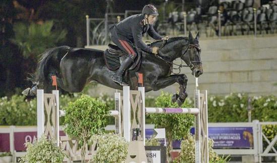 Emanuele Gaudiano riding Quinn van de Heffinck