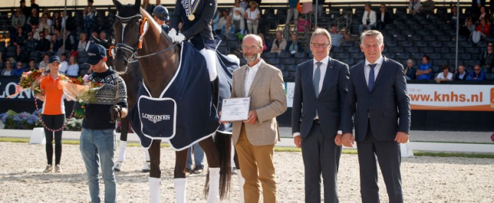 Two 10s for world champion Lordswood Dancing Diamond