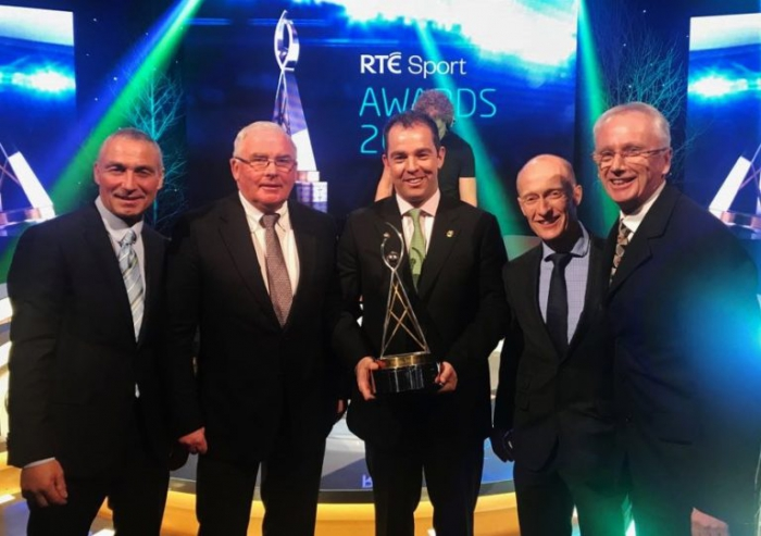 """(l-r) Taylor Vard, Gerry Mullins, Cian O'Connor, Ronan Murphy (HSI CEO) and Sport Ireland CEO John Treacy pictured at the RTE Sport Awards where the Irish Show Jumping team were named """"Team of the Year"""""""
