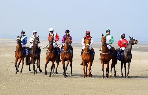 Horses Fly Across Beach Sand in Ireland's Laytown Races