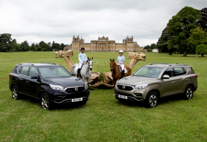 SsangYong Rexton with event riders Aoife Clark and Daniele Bizzaro